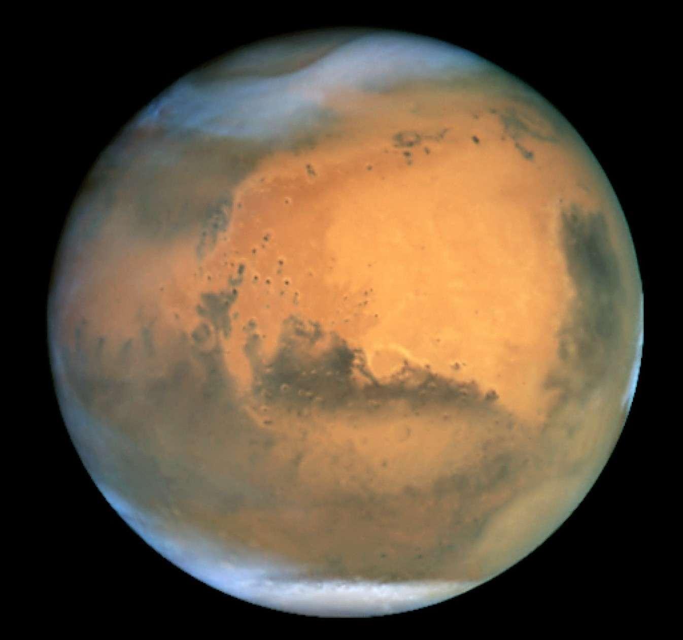 L'opposition martienne de 2001 vue par le télescope spatial Hubble. © Nasa/Hubble Heritage Team