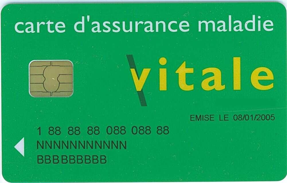 La carte à puce devient la mémoire portative d'une identité. Elle est utilisée notamment pour la carte Vitale qui a permis de dématérialiser le remboursement des soins. © Greudin, CC BY-SA 3.0, Wikimédia Commons