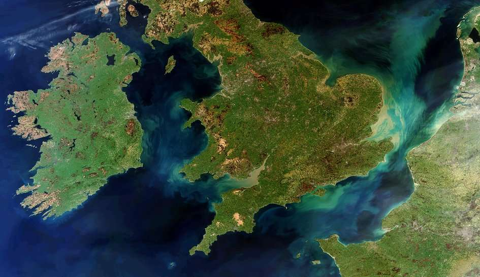Cette image montrant l'Irlande, le Royaume-Uni et la France a été acquise par le spectromètre imageur Meris du satellite Envisat le 28 mars 2012, quelques jours avant qu'il tombe définitivement en panne. © Esa
