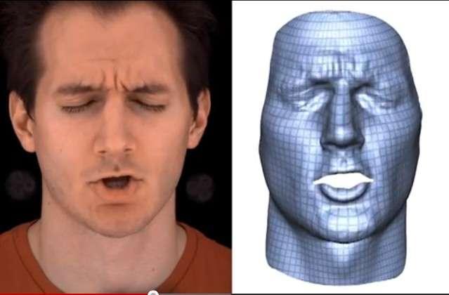 Durant la phase de clonage, la personne simule un certain nombre d'expressions. Le traitement informatique génère un masque en 3D qui reproduit les zones de déformation de la peau. L'ordinateur applique ensuite une texture reproduisant les propriétés élastiques du silicone qui sera utilisé afin de savoir quelles sont les zones où il faudra jouer sur l'épaisseur du matériau. Une simulation est réalisée pour tenir compte de la manière dont la matière va se déformer sur la tête robotisée et déterminer les points de fixation du masque. Les scientifiques peuvent ensuite créer le moule à l'aide d'une imprimante 3D et y couler le silicone. © Disney Research