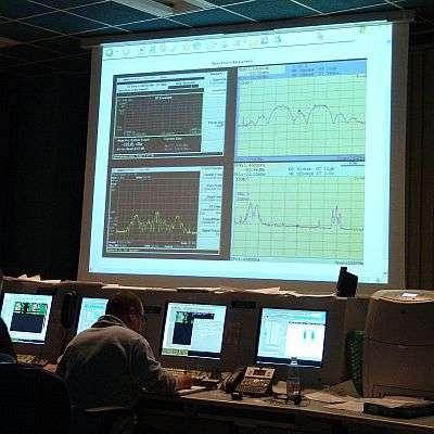 Les premiers signaux de GIOVE-B sont affichés en salle de contrôle. Crédits ESA