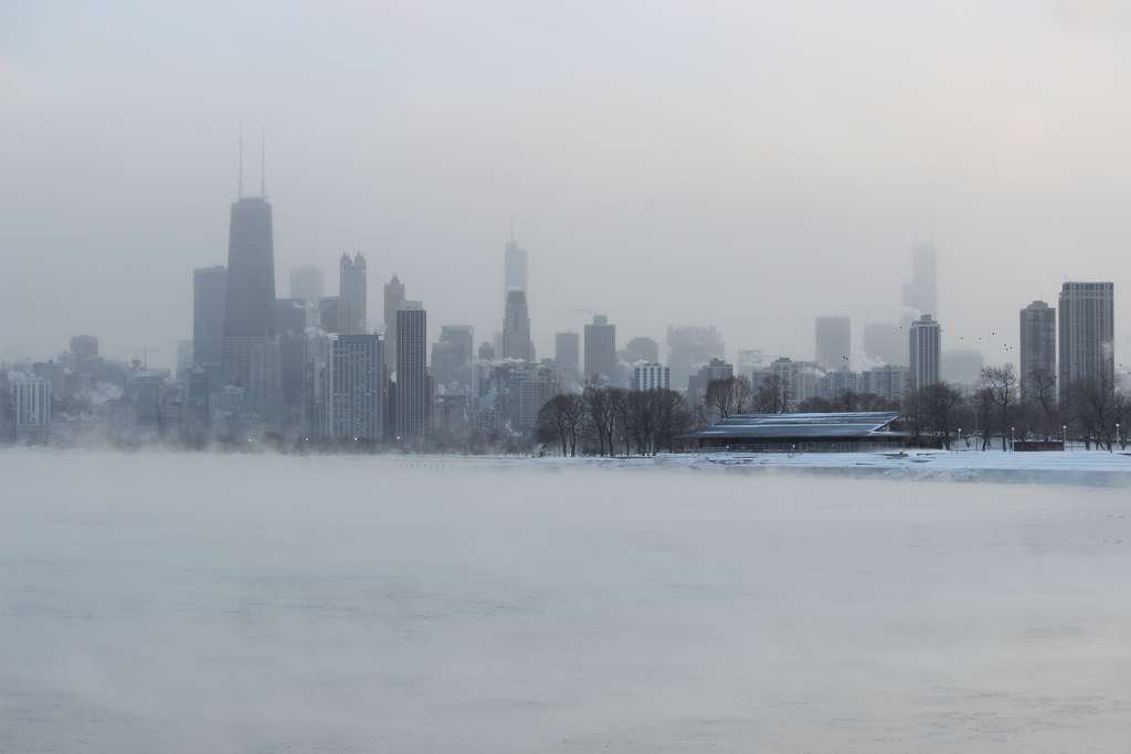 Chicago figure parmi les villes les plus touchées par la vague de froid. Les écoles sont fermées et les ours polaires ont été enfermés dans les abris des zoos. © edward stojakovic, Flickr, cc by 2.0