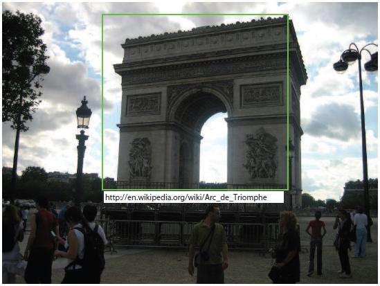 Sur cette photographie, le logiciel a reconnu l'Arc de Triomphe et a même ajouté un lien Wikipédia. © Jean-Charles Bazin