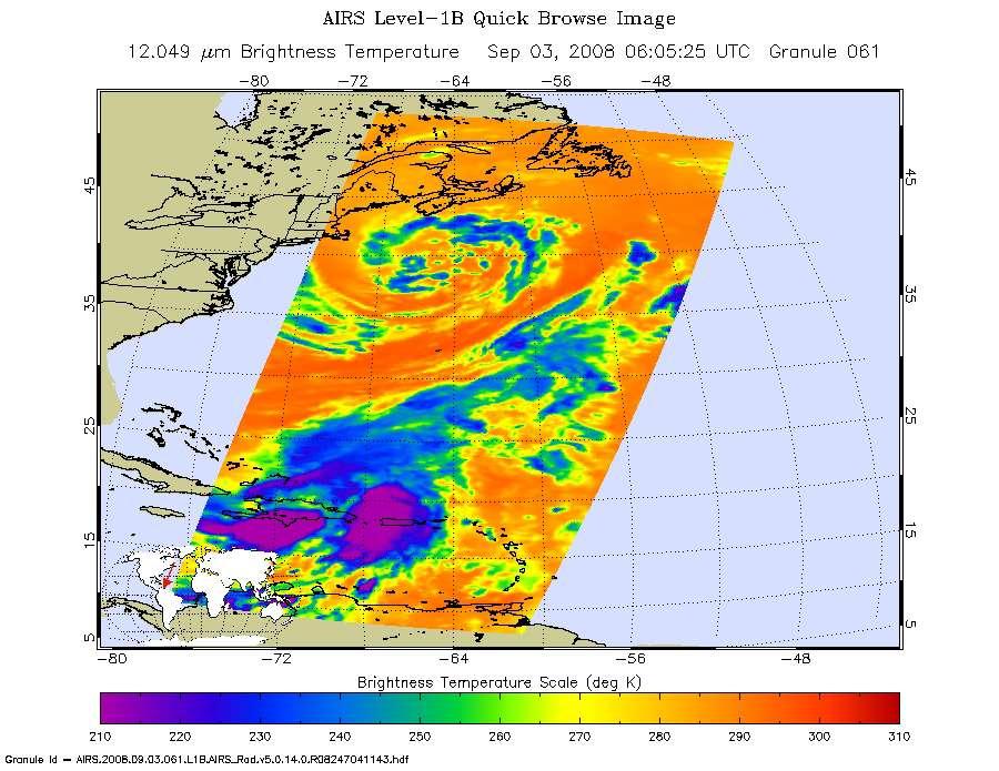 Hanna, le 3 septembre 2008 à 6 h 05 TU. Les zones les plus froides (l'œil du cyclone) apparaissent en violet. Hanna, succédant à Gustav, est suivi de Ike, qui vient de meurtrir Haïti, et de Josephine. © Nasa