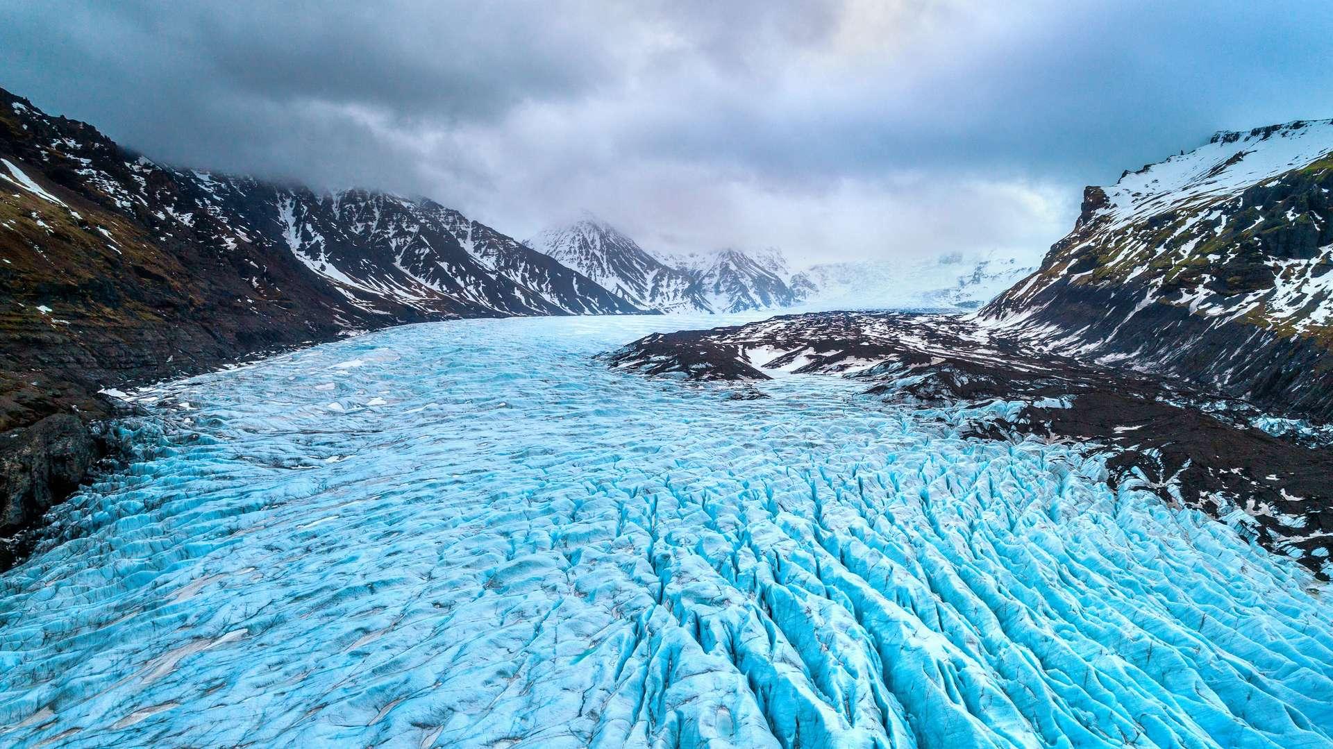 Le climat de la Terre ne cesse de varier depuis sa formation, alternant entre périodes glaciaires et périodes interglaciaires. Actuellement, nous nous situons dans une époque interglaciaire, dont le réchauffement anormal est d'origine anthropique. © Tawatchai1990, Adobe Stock
