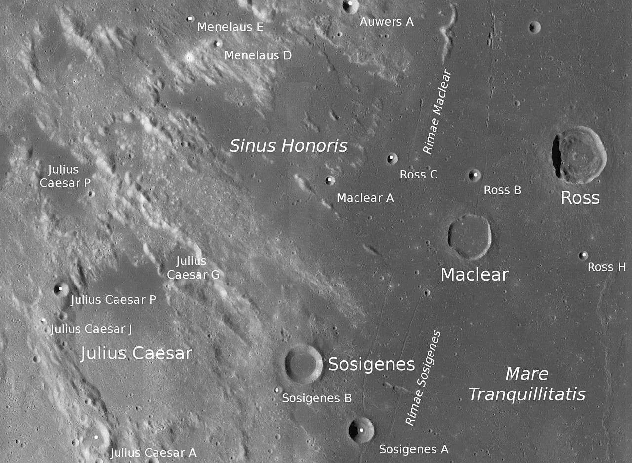 Non loin du cratère Sosigenes se trouve le plus jeune volcan connu à ce jour sur la Lune. Sa lave s'écoulait alors que, sur Terre, des primates anthropoïdes peuplaient les forêts depuis longtemps déjà. © Nasa