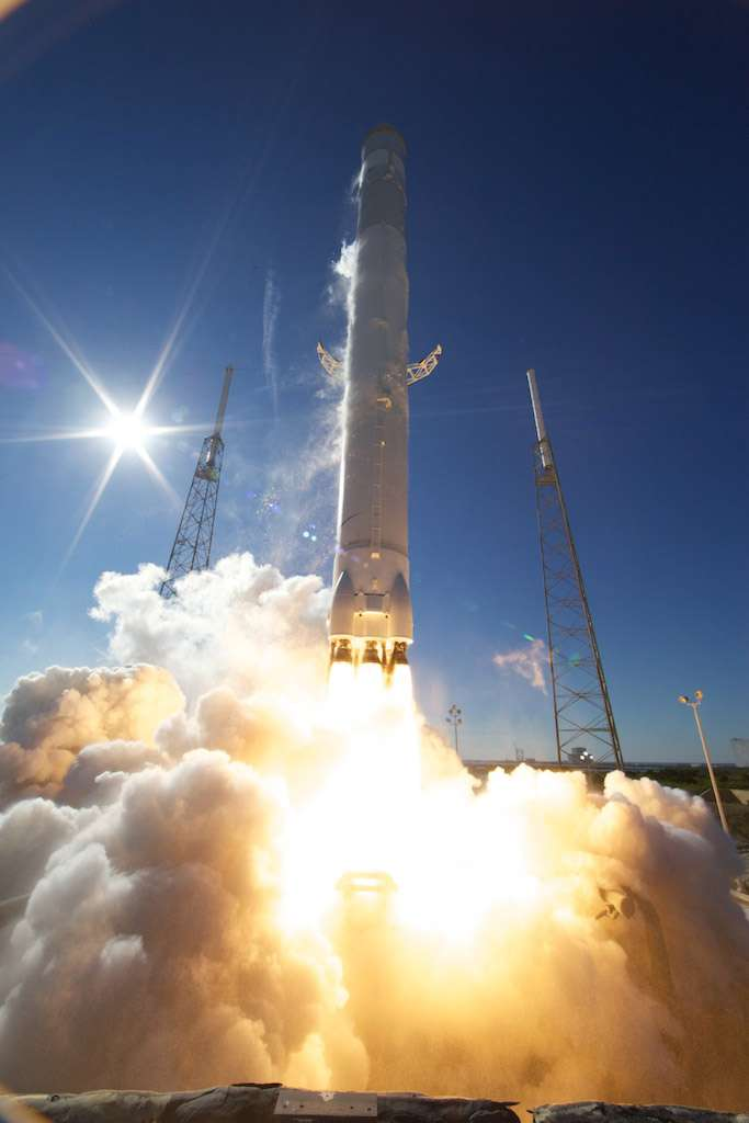 Choisie par la Nasa pour ravitailler la Station spatiale en fret, la société SpaceX est entrée en compétition avec Boeing et Sierra Nevada pour transporter également des astronautes à bord du complexe orbital. © SpaceX