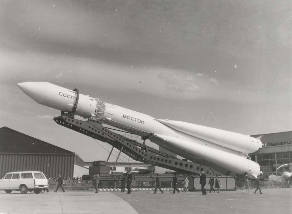 Le lanceur Vostok se montre pour la première fois à l'étranger : au Salon du Bourget en 1967. © Air & Cosmos, 1967
