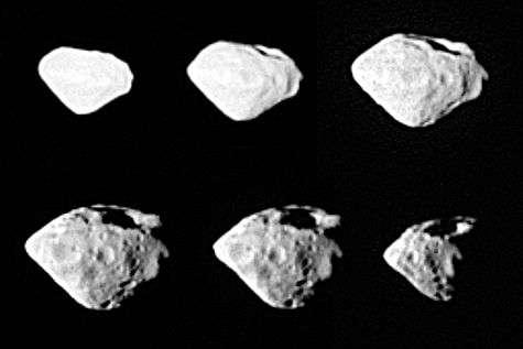 L'astéroïde Steins, vu par la caméra grand angle Osiris de la sonde européenne Rosetta le 5 septembre 2008. Un remarquable alignement de cratères est visible verticalement, de face sur l'image centrale de la rangée inférieure. Crédit Esa