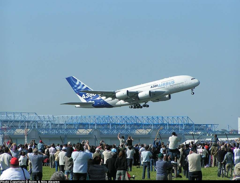 L'A380, ici au décollage à Toulouse, le plus gros avion de transport de passagers. © Christian Nilsson (à voir dans notre galerie de photos)