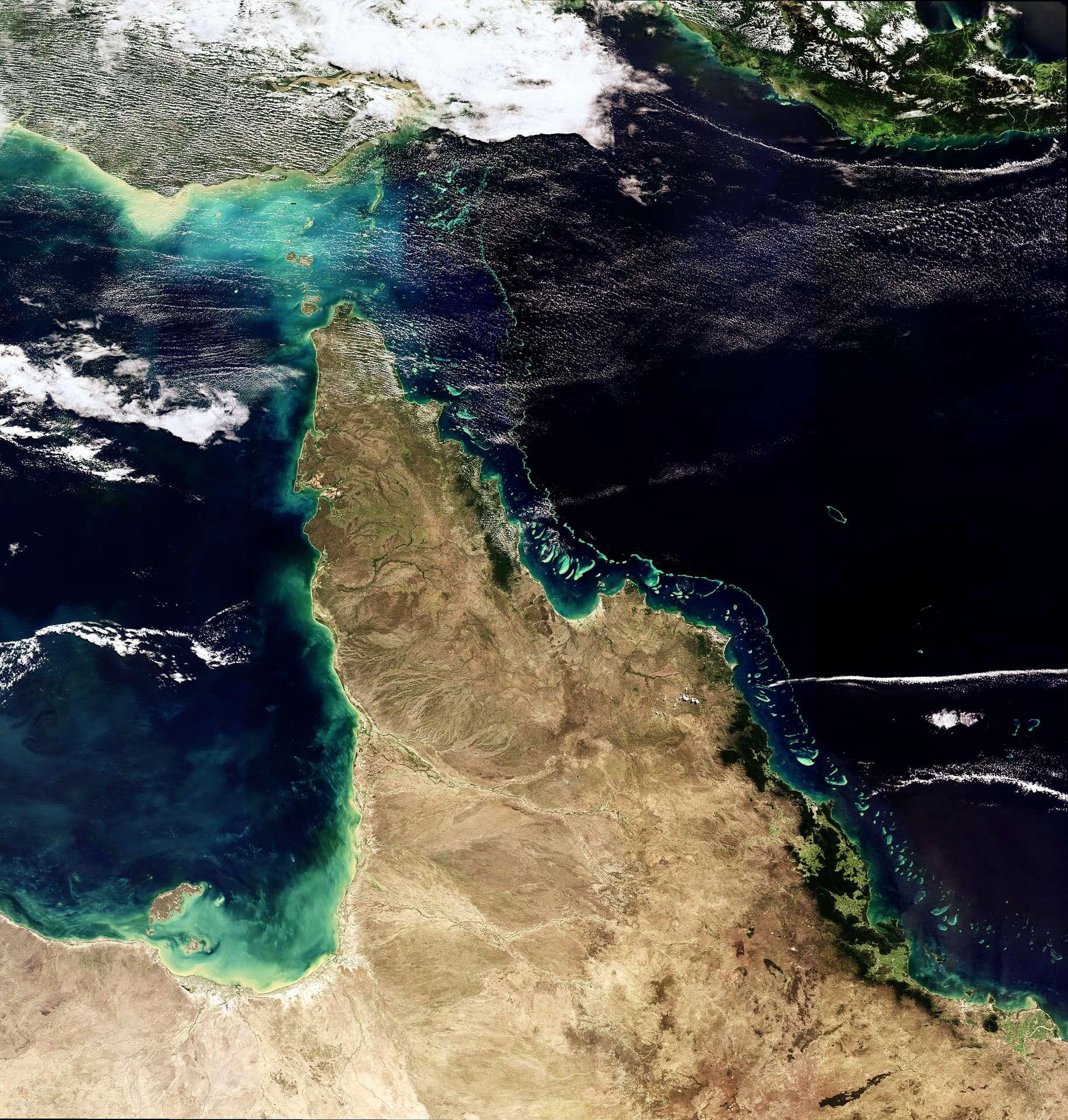 La Grande Barrière de Corail australienne, longeant le large de la côte du Queensland, photographiée par l'Envisat de l'Esa, en mai 2018. © ESA, CC by-sa 3.0 IGO