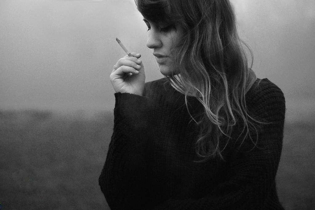 On le sait, fumer n'est pas bon pour la santé. Mais beaucoup pensent que cela aide à se sentir mieux dans sa tête. Une idée réfutée par une nouvelle étude. © Silvia Sala, Flickr, cc by nc nd 2.0