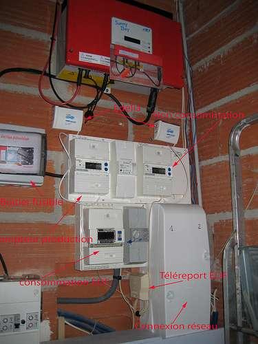 Le Consuel certifie la conformité d'une installation électrique. © Trebosc, CC BY-ND 2.0, Flickr