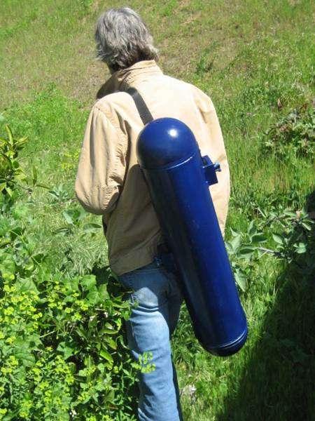 Le générateur hydroélectrique Backpack Power Plant ne prend pas plus de place qu'un sac de randonnée. © Bourne Energy
