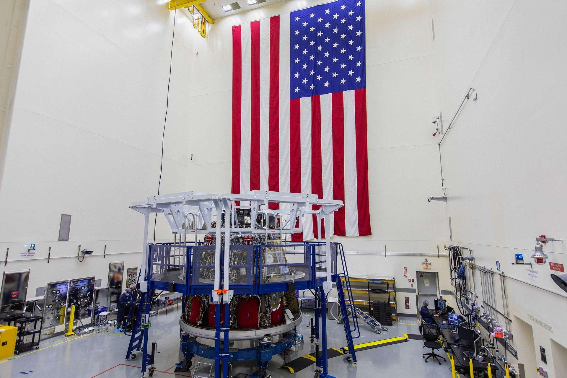 La capsule Crew Dragon qui sera utilisée pour le très important test d'abandon de lancement prévu fin novembre, début décembre. © Nasa