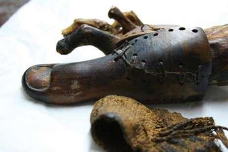 La prothèse du musée du Caire (Crédit : Jacky Finch).