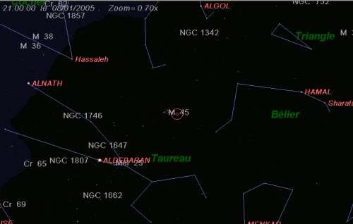 La comète Machholz (C/2004 Q2) est proche des Pléiades (M45)