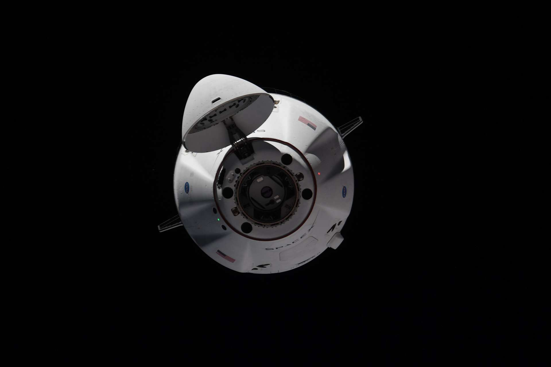 Arrivée du cargo Dragon CRS-22 à la Station spatiale internationale. © ESA, Nasa, T. Pesquet