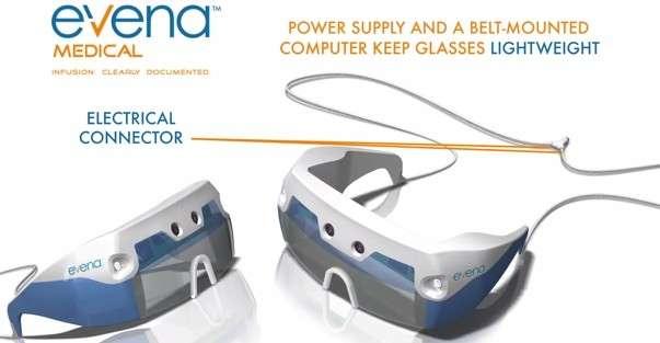 Les lunettes Eyes-On conçues par Evena Medical sont basées sur le modèle Moverio commercialisé par Epson. Evena y a ajouté un système d'éclairage multispectral (les deux capteurs placés sur les côtés de la façade) qui utilise l'infrarouge proche pour révéler les veines sous la peau. Deux caméras stéréoscopiques (au centre) filment l'image en temps réel, qui est ensuite projetée sur les lentilles des lunettes. © Evena Medical