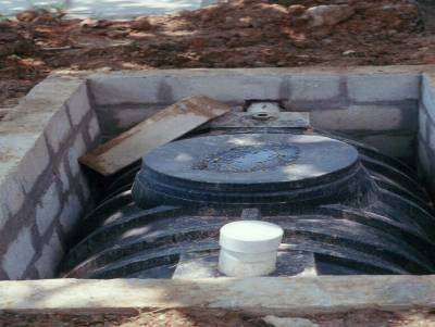 La fosse septique nécessite un coffrage pour être installée. Le choix se porte sur le béton, le béton armé, le ciment ou encore le plastique. © eurotrofication&hypoxia, Flickr, cc by 2.0