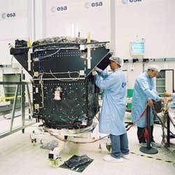 GSTB-V2/A dans une salle blanche à l'ESTEC pour subir des essais