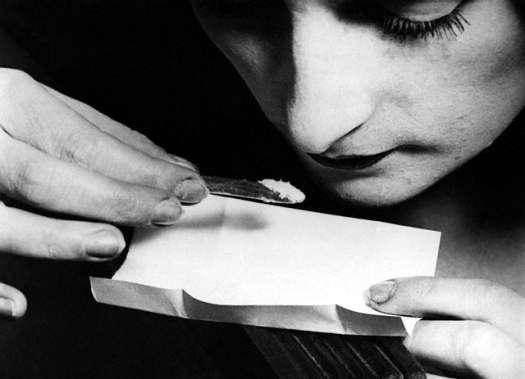 La cocaïne provoque une euphorie et un sentiment de supériorité physique et intellectuelle. Ces effets peuvent cependant laisser place à de la tristesse et de l'anxiété. © Foxtongue, Flickr, cc by nc sa 2.0