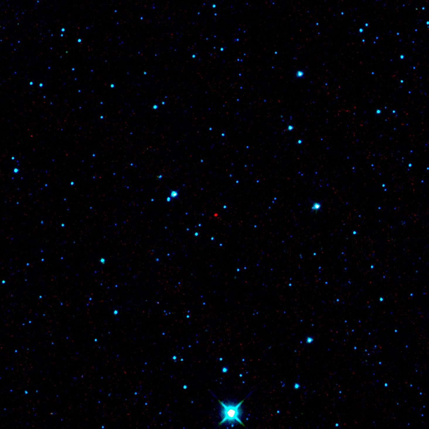 Bien que difficilement observables dans le visible, les astéroïdes sombres se découvrent pour peu qu'on les observe dans l'infrarouge. Ici le premier astéroïde découvert par le télescope spatial Wise de la Nasa (point rouge). Crédits Nasa/JPL-Caltech/Ucla