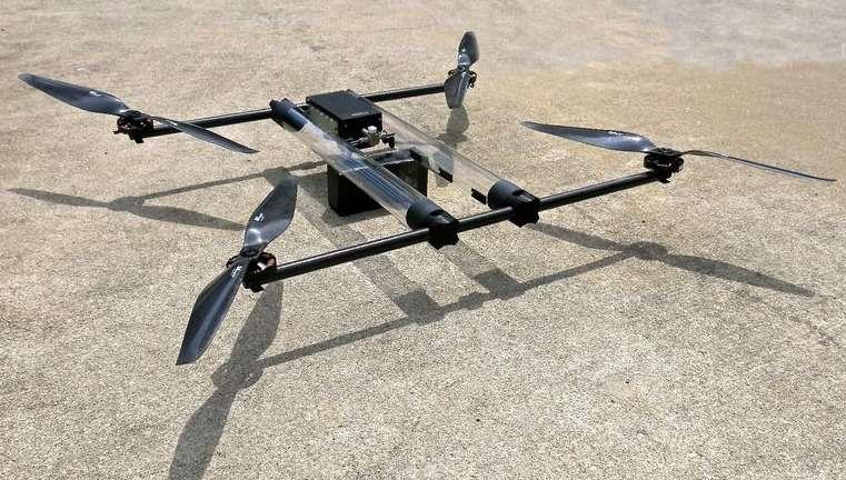 Ce drone quadricoptère nommé Hycopter est alimenté par une pile à combustible qui lui confère une autonomie de vol théorique de quatre heures. Le prototype est en cours de développement. Un premier vol d'essai est prévu cette année. © Horizon Energy Systems