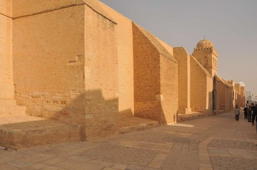 Le contrefort est un élément de maçonnerie en saillie qui consolide un bâtiment. © TA, CC BY-SA 2.0, Wikimedia Commons