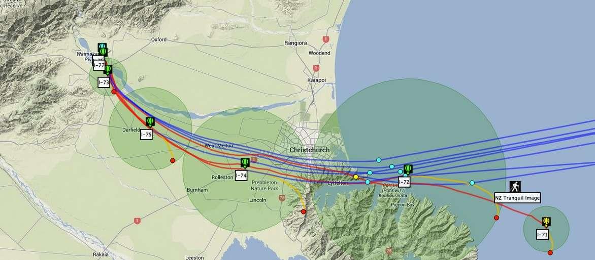 Google a débuté la semaine dernière un test grandeur nature en déployant une flottille de 30 ballons au-dessus de la région de Canterbury, en Nouvelle-Zélande. Le géant américain espère rallier des partenaires afin de reproduire des essais dans d'autres régions du globe. © Google