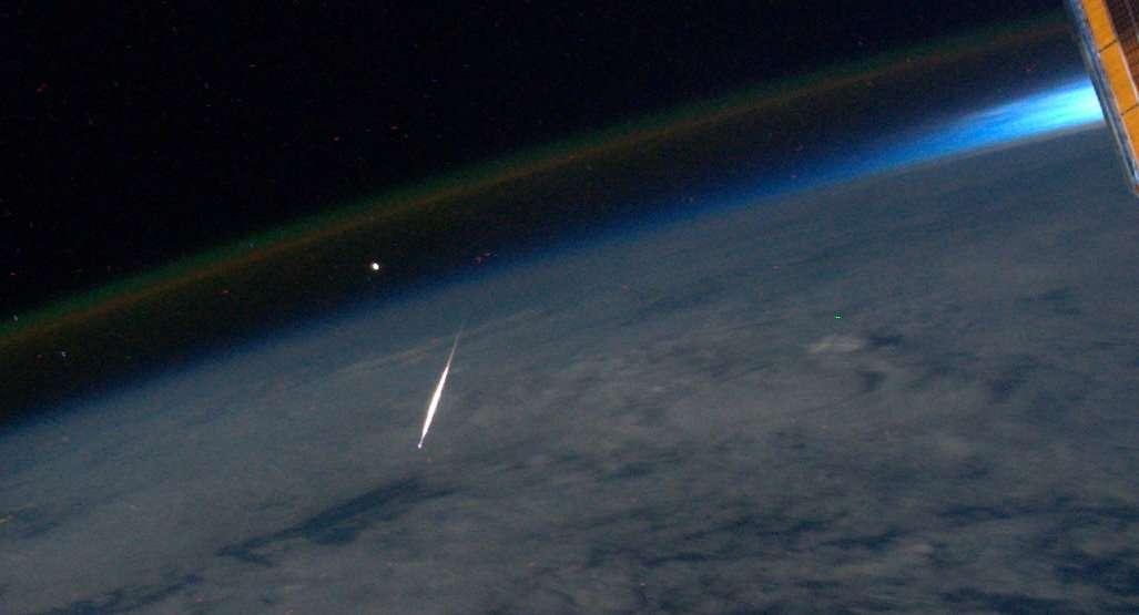 Brillante Perséide saisie le 13 août depuis l'ISS. © R. Garan