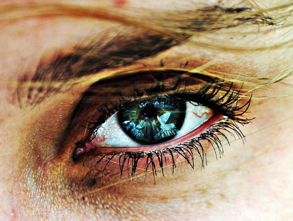 Pourra-t-on un jour dépister la maladie d'Alzheimer simplement en regardant l'œil ? Nous en sommes encore loin mais les études s'en approchent. © ModernDope, Flickr, cc by nc sa 2.0