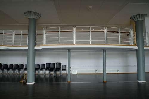 L'entresol est un espace réduit en hauteur, situé entre le rez-de-chaussée et le premier étage. © Good Old, CC BY-SA 2.0, Flickr