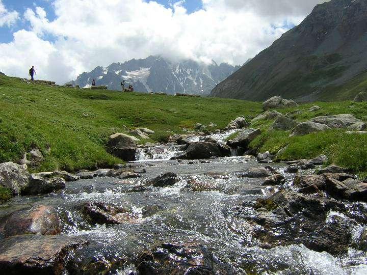 Le torrent peut désigner le cours d'eau typique des montagnes. © DR