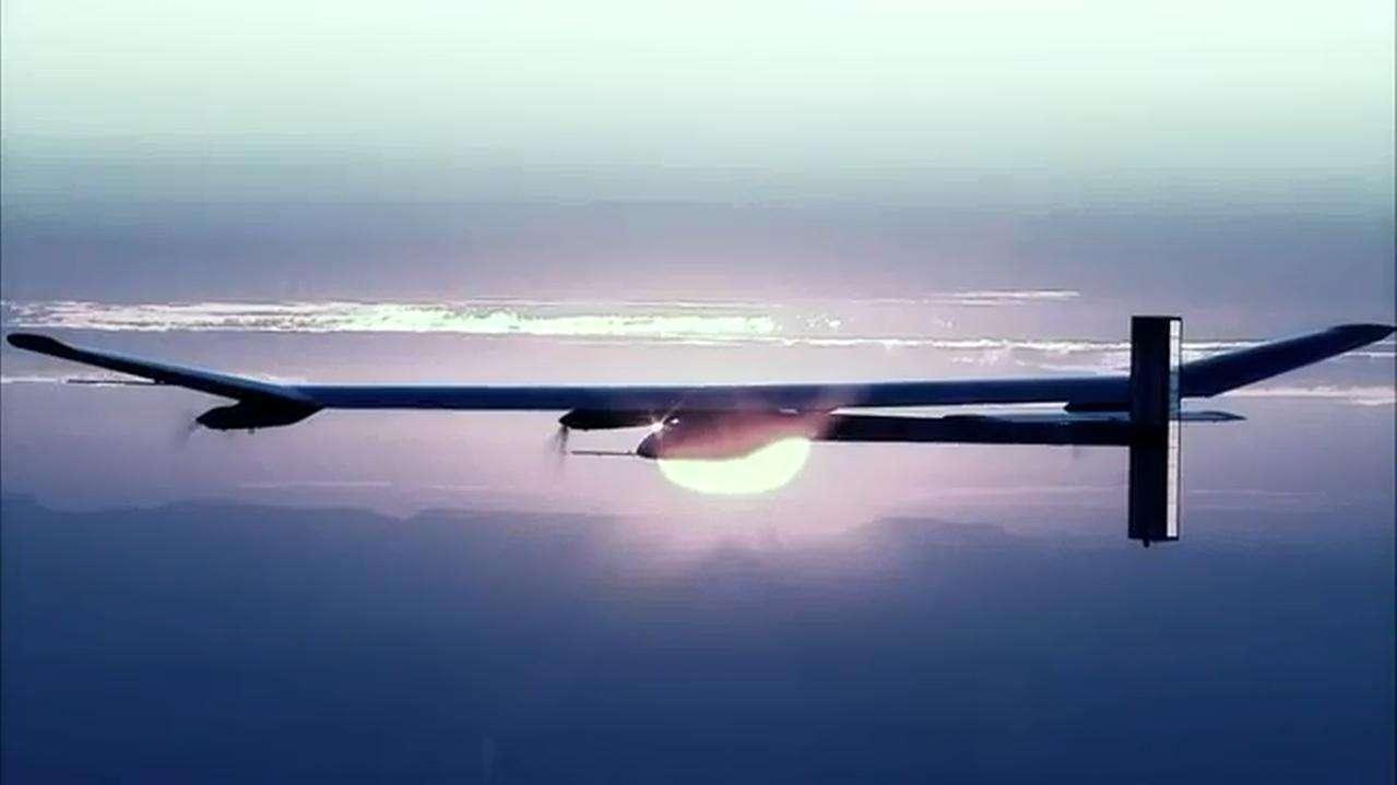 Solar Impulse 2 devra faire mieux que son prédécesseur, avec cette fois pour objectif un tour du monde avec escales. © Solar Impulse, YouTube (capture d'écran)