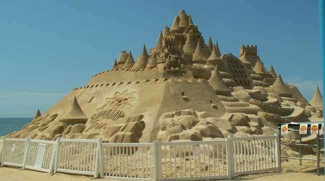 Chateau de sable géant au concours de Myrtle beach. Crédit : funbeaches.com