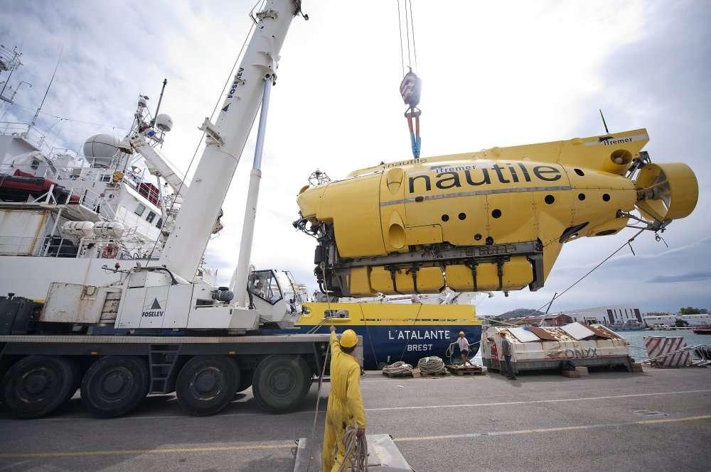 Pendant quatre mois, le Nautile s'est refait une beauté à La Seyne-sur-mer. Il est prêt pour reprendre ses campagnes océaniques et ne reviendra à terre que dans plus d'un an. © AFP/Photo Bertrand Langlois