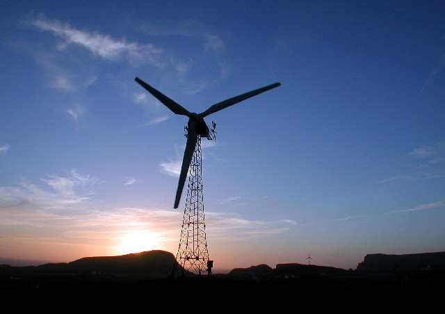 Éolienne de 100 kW à Fair Isle (Écosse). © Dave Wheeler, Geograph, cc by sa 2.0
