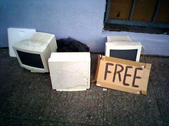 Le recyclage des DEEE comprend notamment les écrans d'ordinateur. © Rob West, Flickr, cc by sa 2.0
