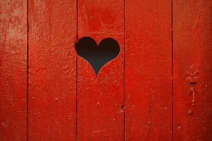 Porte en bois peinte. © philippe simier