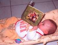 Les jouets du bébé lui permettent de s'éveiller au monde qui l'entoure. © DR