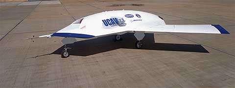 Prototype X-45 dans le désert californien près de l'Edwards Air Force Base