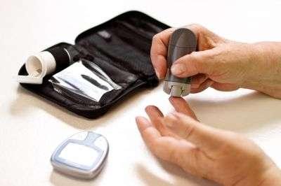 Le diabète concerne 0,5 % des patients âgés de 0 à 44 ans, tandis que ce taux atteint 9,7 % chez les 45 ans et plus. © Image Point Fr/shutterstock.com
