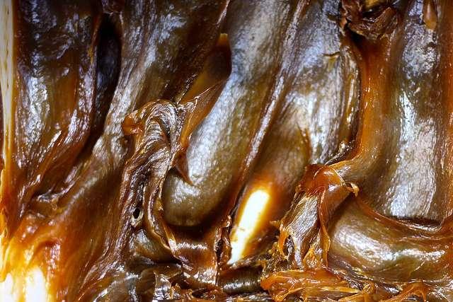 Originaire d'Alep (Syrie) où il fut inventé, le savon noir est maintenant reconnu comme un produit typiquement marocain. Mais il en existe plusieurs variantes au Maghreb et en Afrique noire. © Velcro, Flickr, cc by 2.0