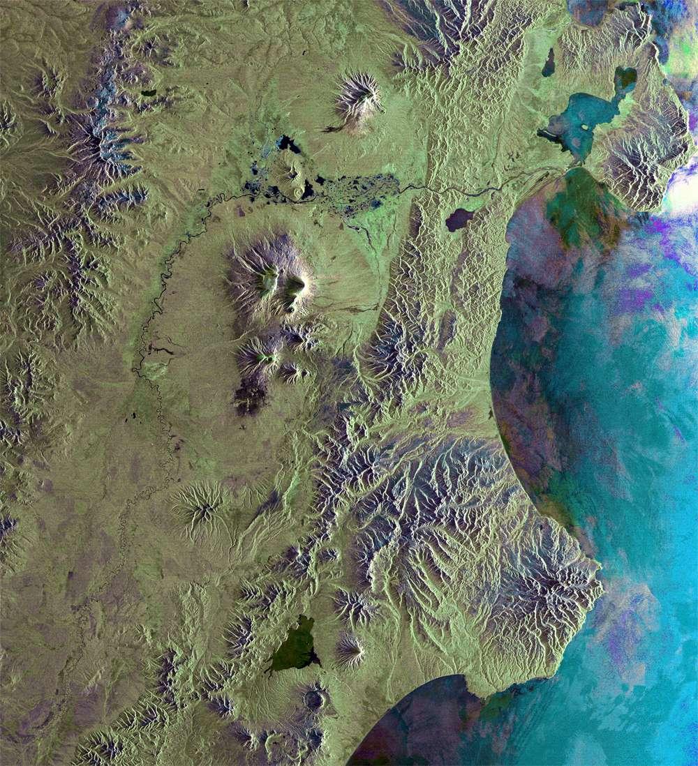 L'ensemble volcanique du Klioutchevskaïa Sopka. © Esa