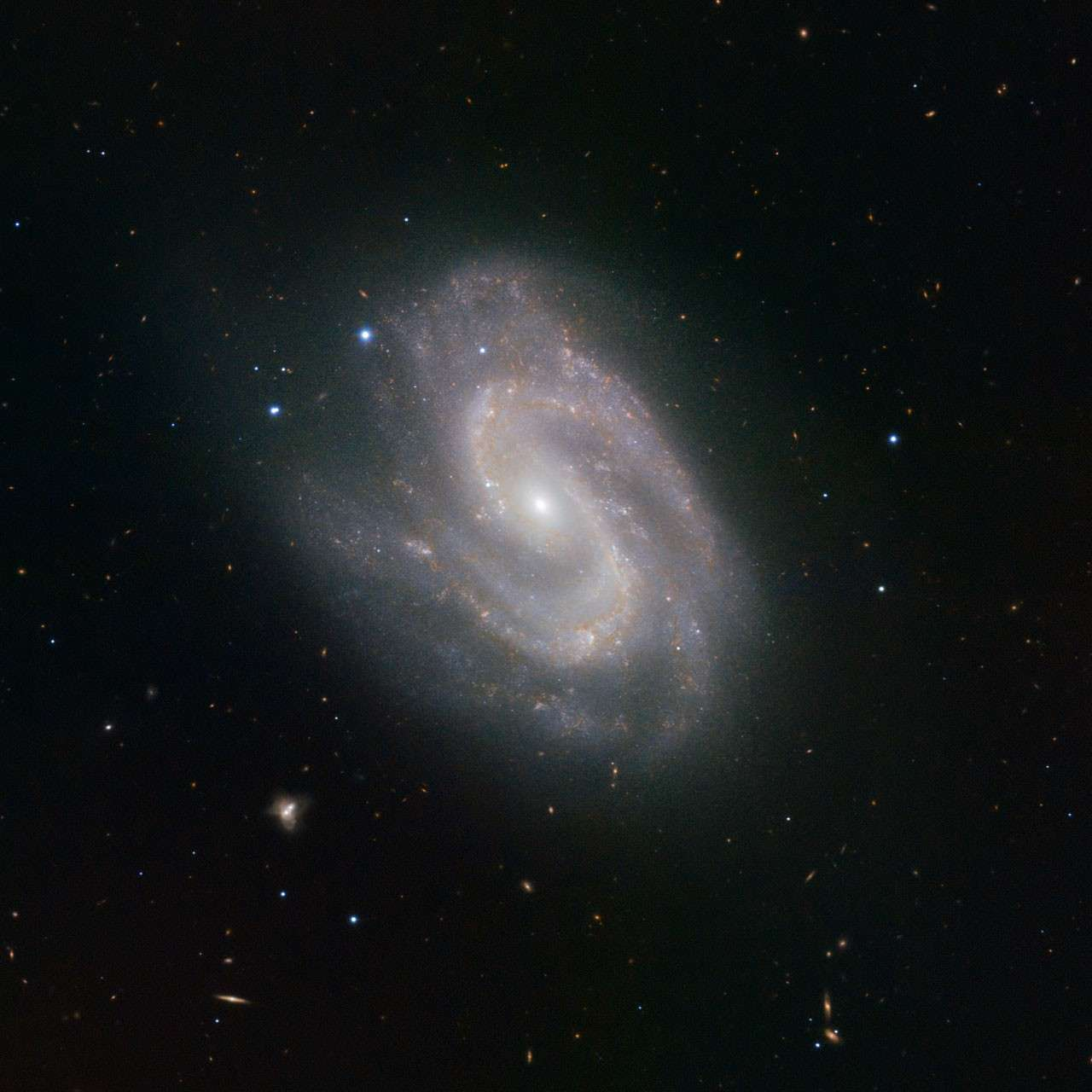 "NGC 157, la galaxie ""Superman"". © ESO"