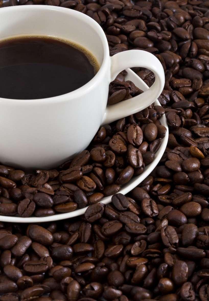 Les buveurs quotidiens de café ont des risques d'AVC moins élevés que les amateurs de thé vert, déjà moins susceptibles de déclencher la maladie cardiovasculaire que le reste de la population. Des boissons chaudes que l'on peut consommer pour sa bonne santé ! © Cambogueno, StockFreeImages.com