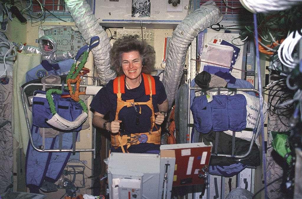 Shannon Lucid à bord de la station Mir en 1996. © Nasa