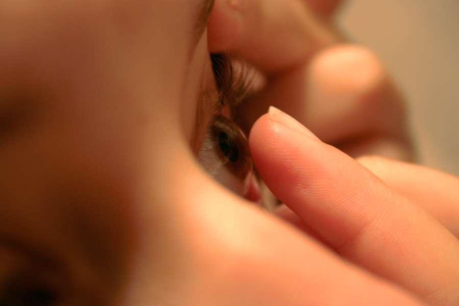 Des lentilles de contact qui mesurent le taux de sucre dans le sang et s'allument en cas d'hyperglycémie ? Les chercheurs du Google X Lab travaillent sur ce projet ambitieux. © JoaoGabriel, Flickr, cc by nc sa 2.0