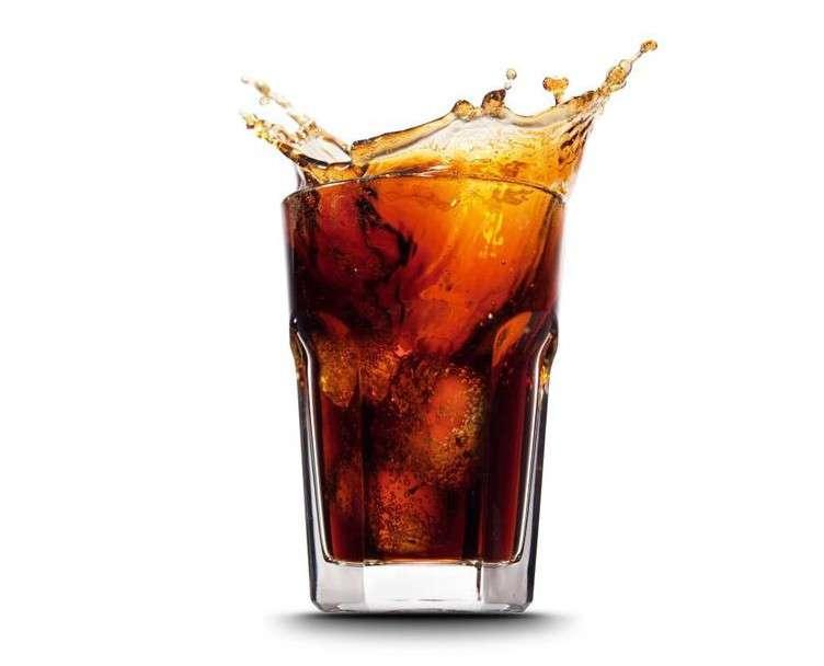 Une ligne de plus à la liste de risques associés à l'excès de consommation de boissons sucrées : la stéatose du foie. © Tischenko Irina